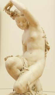 Nouveau statue.