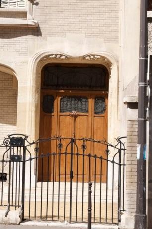Detail of Door on small Guimard building
